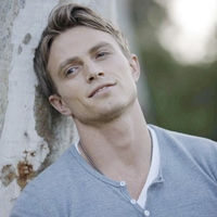 Wilson Bethel Returns to 'Y&R'