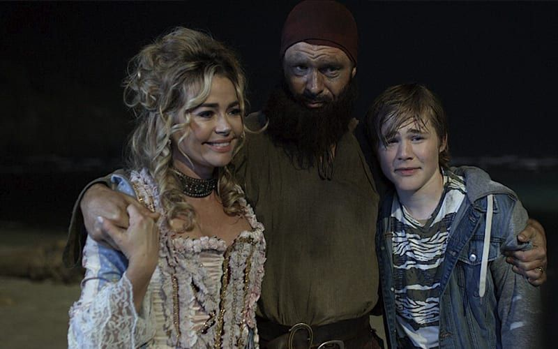 Denise Richards, Patrick Muldoon, Casey Simpson, Timecrafters: The Treasure of Pirate's Cove